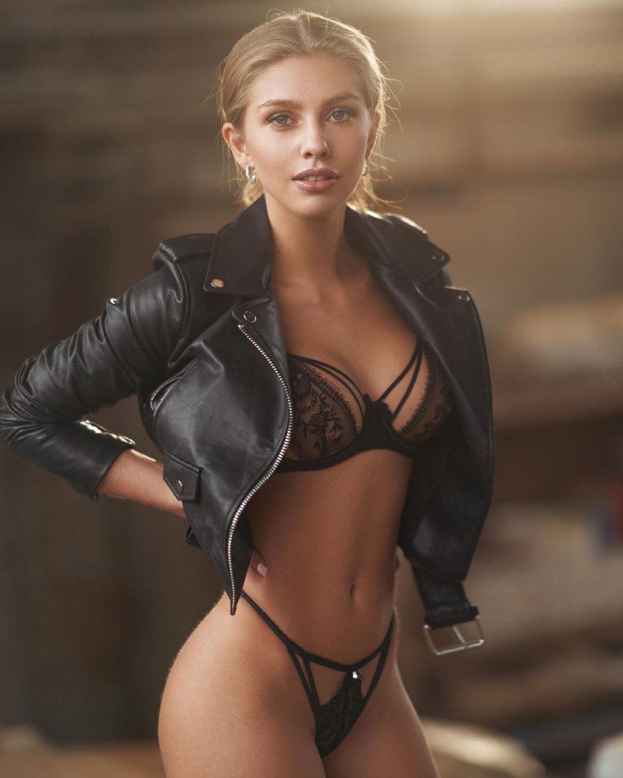 Alexa Breit nude